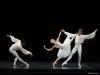 1-Suite-en-blanc-Minoru-Kaneko-Alexandra-Surodeeva-Timofiy-Bykovets-crÇdit-David-Herrero