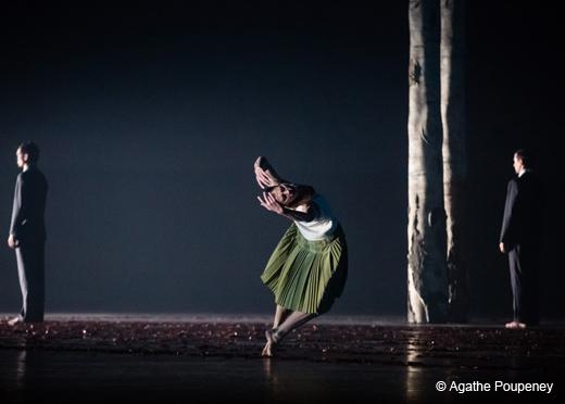 Marie-Agnès Gillot dans Verklärte Nacht (La Nuit transfigurée) d'Anne Teresa De Keersmaeker par le Ballet de l'Opéra de Paris