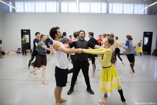 Angel Corella en répétition avec Arian Molina Soca et Oksana Maslova.