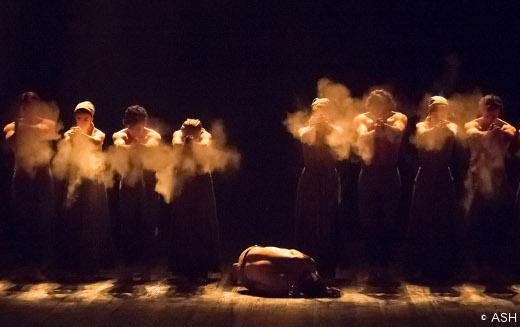 Dust d'Akram Khan - Lest we Forget