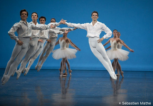 Études - Josua Hoffalt et le corps de ballet