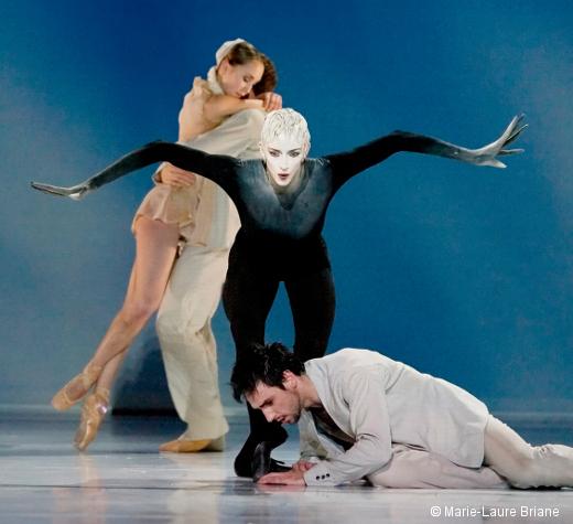 Faust de Jean-Christophe Maillot (Bernice Coppieters au centre)