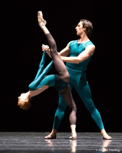 saison 2014 2015 la s lection danse contemporaine danses avec la plume l 39 actualit de la danse. Black Bedroom Furniture Sets. Home Design Ideas