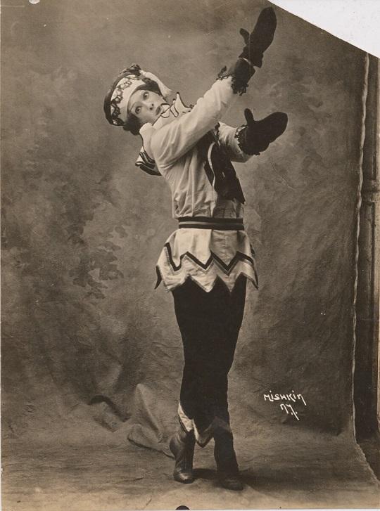Vaslav Nijinski dans Petrouchka (1911)