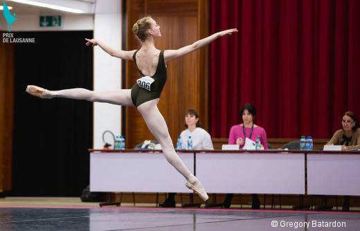 Lou Spichtig en cours de danse classique - Prix de Lausanne