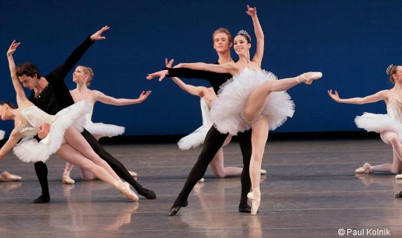 Dossier le new york city ballet aux t s de la danse for Barre de danse occasion