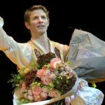 Les adieux à la scène de Karl Paquette – Émotion et humilité