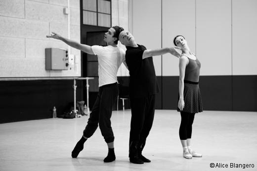 Casse-Noissette Compagnie - Jean-Christophe Maillot en répétition avec Artem Ovcharenko et Olga Smirnova