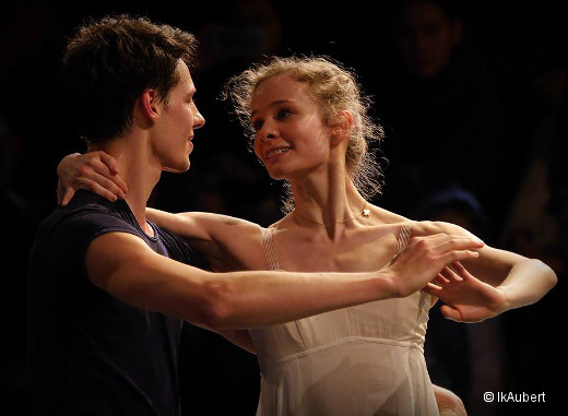 Roméo et Juliette en répétition - Germain Louvet et Léonore Baulac